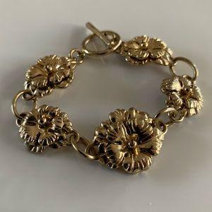 Jewelry - Gold Flower Bracelet